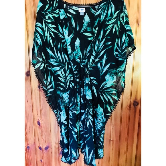 2cade1e4bd390 Old Navy Plus Tropical Cover Up Kaftan LIKE NEW. M 5b1aad2e035cf184f24149d4
